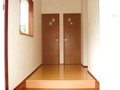 須崎市横町売家 6畳和室。仏間・床の間、収納があります。 (画像にマウスポインタを置く... 須